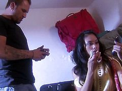 Kaylani Lei gets the mouth fuck of her dreams with hot bang buddy