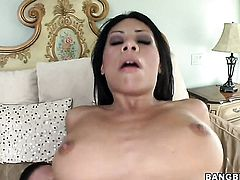 Brunette Cassandra Cruz gives the dude some sexual pleasure with her hands