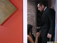 Slutty Jenna can't help playing dirty with Johnny's appetizing dick, while another couple waits to give the order. However, it seems that, for the naughty brunette ebony bitch, there's something else in the menu: cock! See her banged hard from behind, after her crazy ass is rimmed with passion.