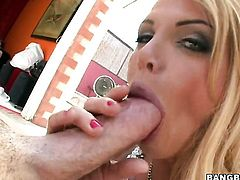 Blonde Taylor Wane gets her mouth stretched by thick hard schlong of horny bang buddy
