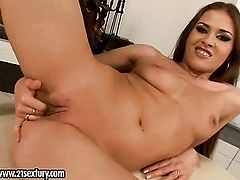 Blonde Rebecca Contreras screams as she fucks herself with fingers