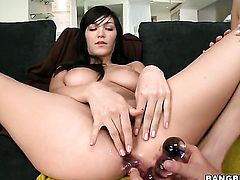 Brunette Holly Michaels cant resist Cassie Laines attraction and gives her love hole a lick