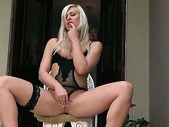 Tracy Delicious to polish her pearl
