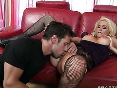 Mariah Madysinn with huge breasts exposes her body parts as she gets dicked good and hard by Johnny Castle