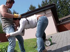 My and my hot girlfriend have no shame. We are out in the front yard, doing some yard work. Suddenly we got the urge to have some nasty sex. The sight of her in this tight jeans turned me on. She bent over and sucked me off outdoors. She is such a bad girl to do that out in the open.