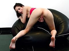 Ann Marie La Sante with small breasts and bald cunt cant live a day without playing with her twat