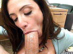 Brunette Ariella Ferrera keeps her mouth wide open while getting jazzed on