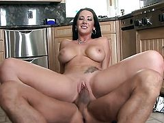 Jayden Jaymes with gigantic tits and clean beaver sucks like theres no tomorrow in steamy blowjob action with hot fuck buddy