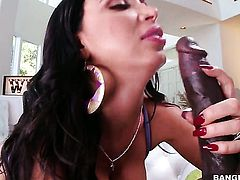 Brunette Nikki Benz has some dirty sex fantasies to be fulfilled in tugjob action