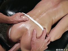 Victoria Rae Black finds herself sucking Johnny Sinss sturdy worm