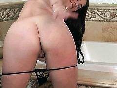 Angel faced hoochie Taylor Vixen with massive jugs and smooth cunt getting down all by herself