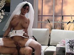 Huge boobs bride Dylan Ryder gets fucked