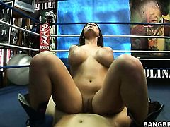 Brunette Austin Kincaid with juicy ass loves getting her vagina boned