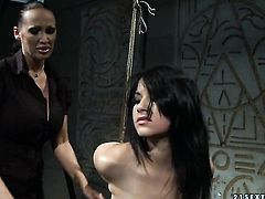 Brunette Mandy Bright cant live a day without taking Naomies tongue and fingers in her wet hole in lesbian action