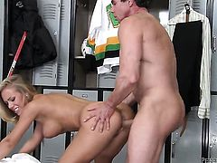 Nicole Aniston and Peter North are so fucking horny in this oral action