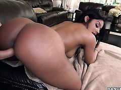 Brunette black with bubbly booty eat dudes meat stick enthusiastically