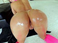 Amirah Adara is a beautiful girl with big ass and small boobs. Naturally titted chick gives headjob from your perspective and then takes off her black panties.