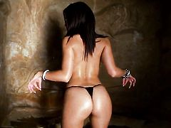 Brunette Ann Marie Rios has some time to masturbate on cam