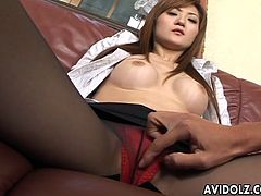 Asian nympho Tsubaki Maya asks her lover to tickle her pussy with vibrating egg