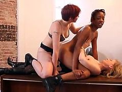 Nina Hartley & Lily Cade strapon fuck Ebony chick