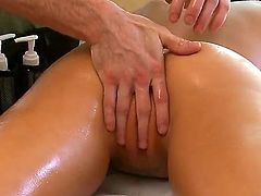 Rachel Starr is a slutty babe that is getting a sexy massage. Special attention is payed to her pussy since there seems to be much tension there.