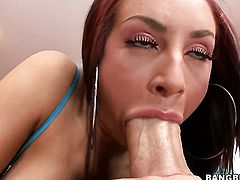 Brunette Amy Reid with juicy ass gets her mouth stuffed full of meat stick in blowjob action with ho
