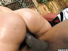 Brunette Valerie Luxe gives unbelievable sexual pleasure to hard dicked bang buddy