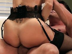 Brandi Love gets her mouth stretched by meaty rock solid sausage of hot dude