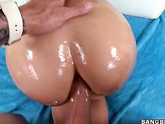 Mischa Brooks with bubbly bottom getting throat banged for your viewing pleasure