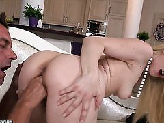 Blonde Nesty lets hot dude fuck her pussy