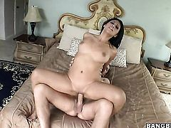 Brunette latin Cassandra Cruz is in need of sexual pleasure after tugjob