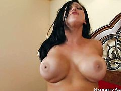 Bill Bailey is horny as hell and cant wait no more to drill Audrey Bitoni