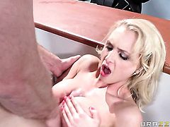 Alix Lynx with juicy boobs loves Johnny Sinss love stick in oral action