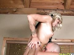 Blonde Jessa Rhodes cant live a day without taking stiff cock in her mouth