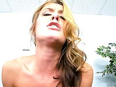 Sheena Shaw gives giving oral pleasure to her horny fuck buddy