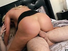 Huge tits blonde is riding dick