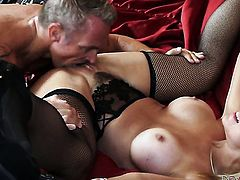 Marcus London is horny and cant wait any more to screw naughty Sarah Vandellas mouth