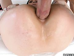 Brunette Sarah Shevon with juicy bottom cant wait to be take cumshot on her pretty face