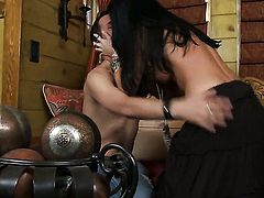 India Summer is ready to suck guys stiff cock day and night