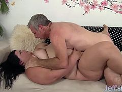 Sexy and honry teases a guy and gives him a nice blowjob. Then she reides it very hard in many positions until he squitrs his cum.