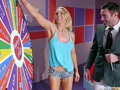 I think everyone wants to play this game. Especially, if such incredible beauty like Alix Lynx, will spin the wheel. Huge delicious boobs, long legs, pretty face and sweet smile, it looks like a gift from the gods. And what the hell difference that falls on the wheel! She perfectly knows how to do everything...