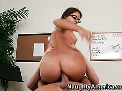 Jynx Maze with big bottom and clean cunt gets the hole between her legs pounded by Christian