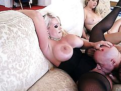 Alura Jenson shows off her sexy body while getting her mouth banged by Derrick Pierce