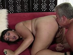 Chubby girl pinches her nipples as she gets fucked