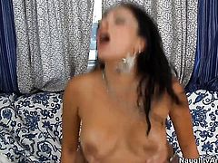 Chica Jamie Valentine loves getting her love hole poked by Dale Dabone