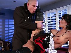 Alektra Blue cant live a day without taking sturdy fuck stick in her mouth