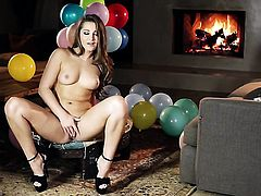 Dani Daniels with shaved muff gets down all by herself