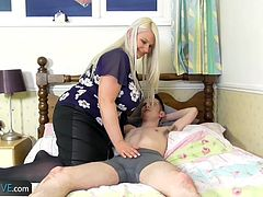 Big titted mature chubby fuck with yung guy