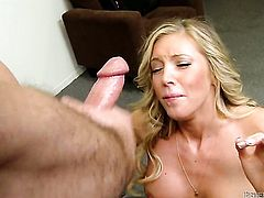 Yummy stunner Samantha Saint is on the way to orgasm with hard love torpedo in her slit