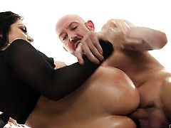 Will Powers gets seduced by Lea Lexis and then drills her bum hole before cock sucking